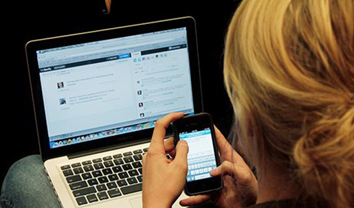 In a digital media curriculum, students would use blogs, Twitter and Storify for mobile reporting projects. Photo by David Nolan, Texas State University.