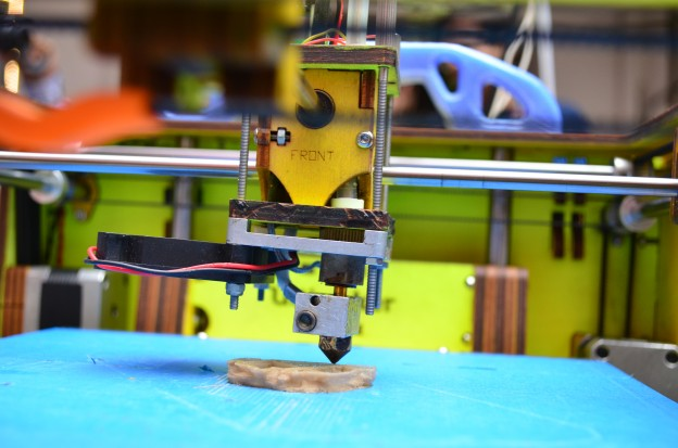 3D printer. Photo by Subhashish Panigrahi and used here with Creative Commons.