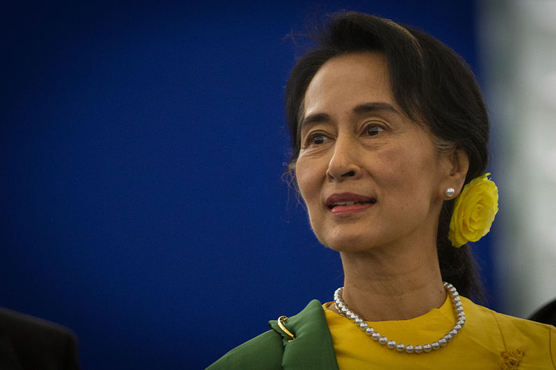Remise_du_Prix_Sakharov_à_Aung_San_Suu_Kyi_Strasbourg_22_octobre_2013-04