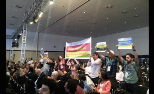 Peaceful civilian protests at the the Internet Governance Forum in Brazil. Photo by Twitter user @subichaturvedi.