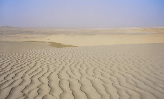 1280px-Desert_Qatar