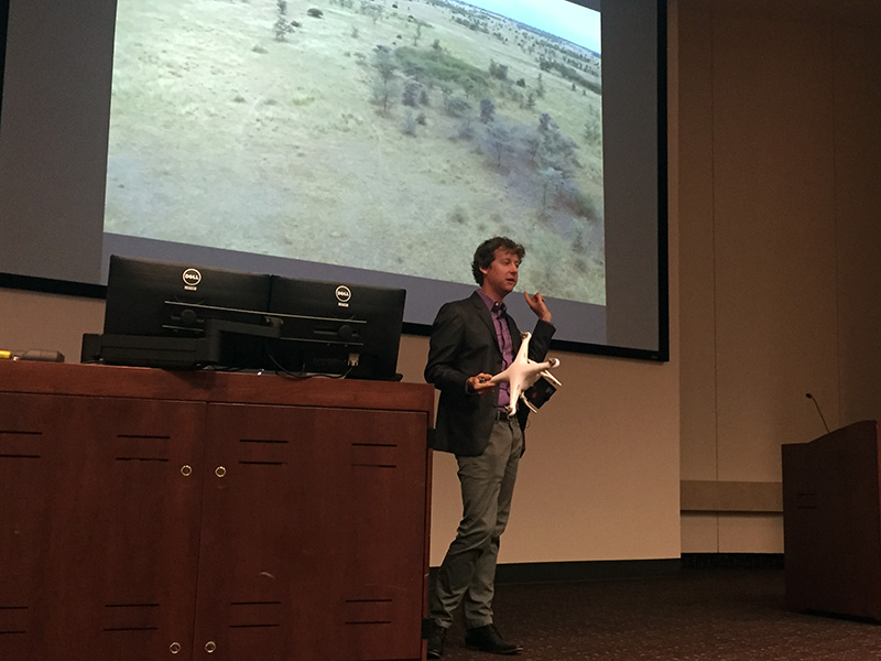Guest speakers in lecture, like Ben Kreimer of BuzzFeed's Open Lab, introduce students to cutting-edge, media innovations.