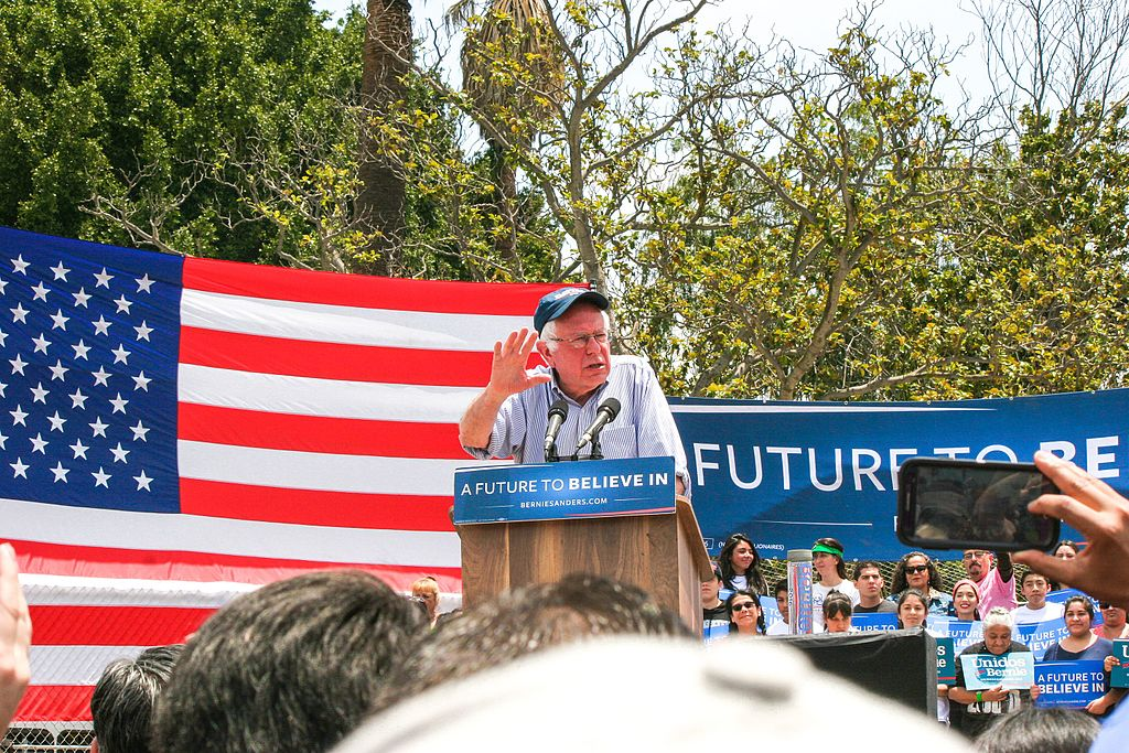 Bernie_Sanders_in_East_Los_Angeles_(27142967111)