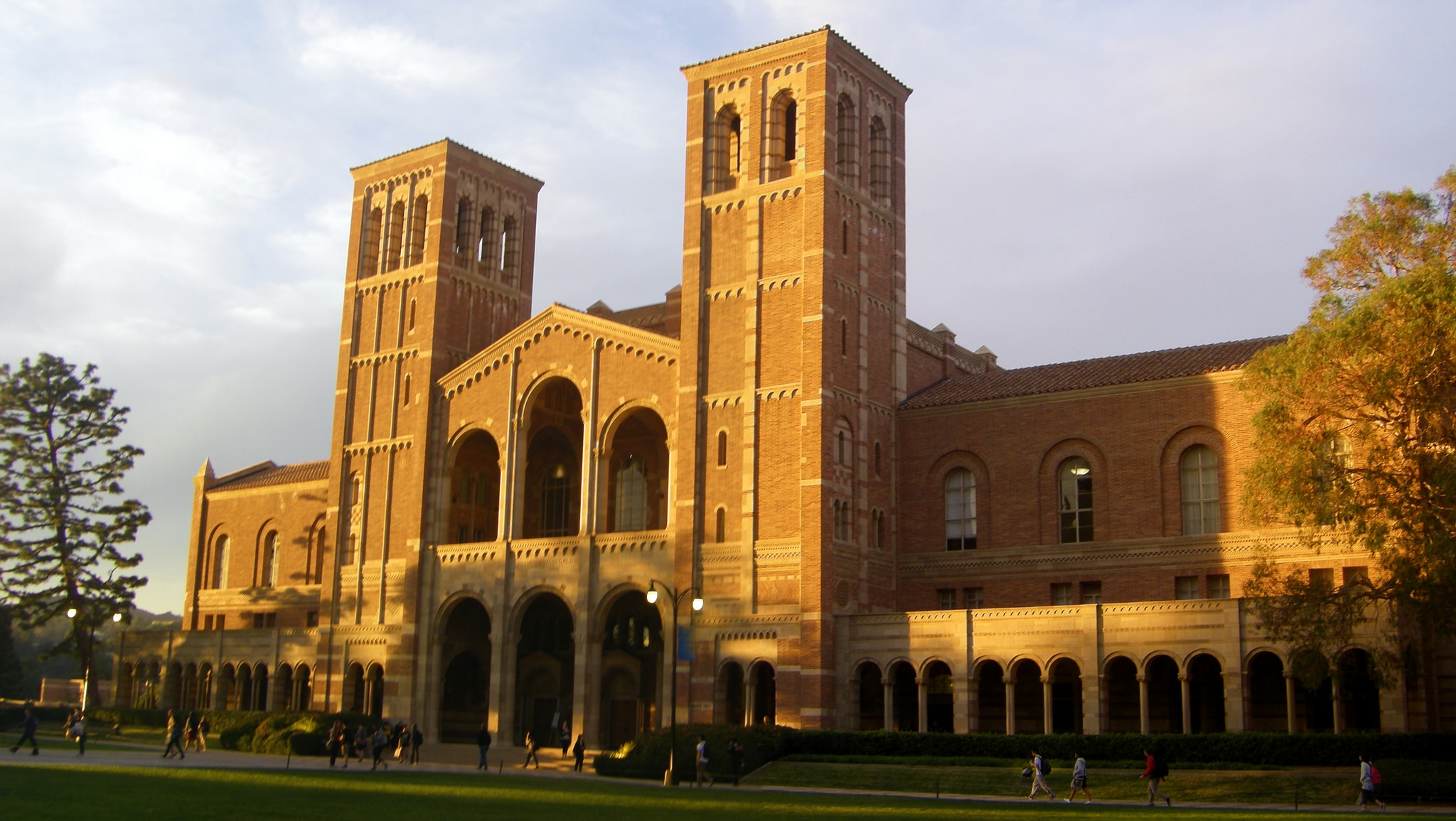 a personal memory of a concert hosted at uclas royce hall Personal information  erasmus hall high school – erasmus hall high school was a four-year  at the nfl kickoff live concert 4 flip wilson and namath in.