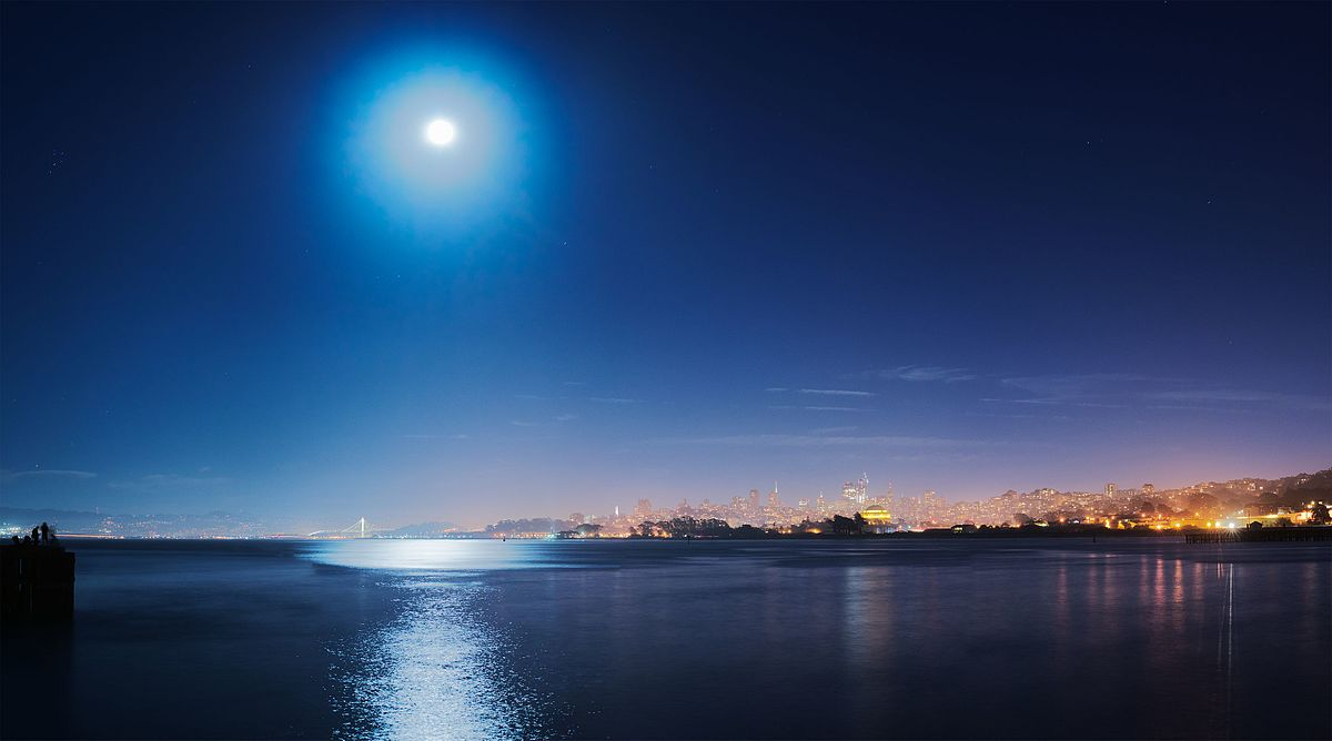 Supermoon over San Francisco. Photo by Dllu and used here with Creative Commons license.