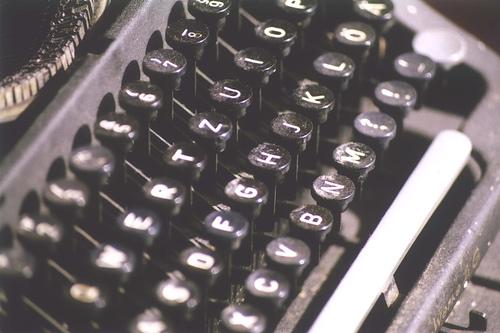 http://www.pbs.org/mediashift/typewriter_flickr_spikeyhelen