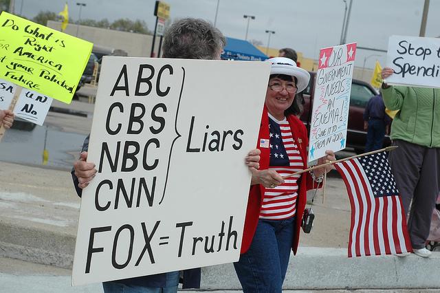 http://www.pbs.org/mediashift/foxnewsprotestersabccbsnbccnn_bystevewhite_flickrcc
