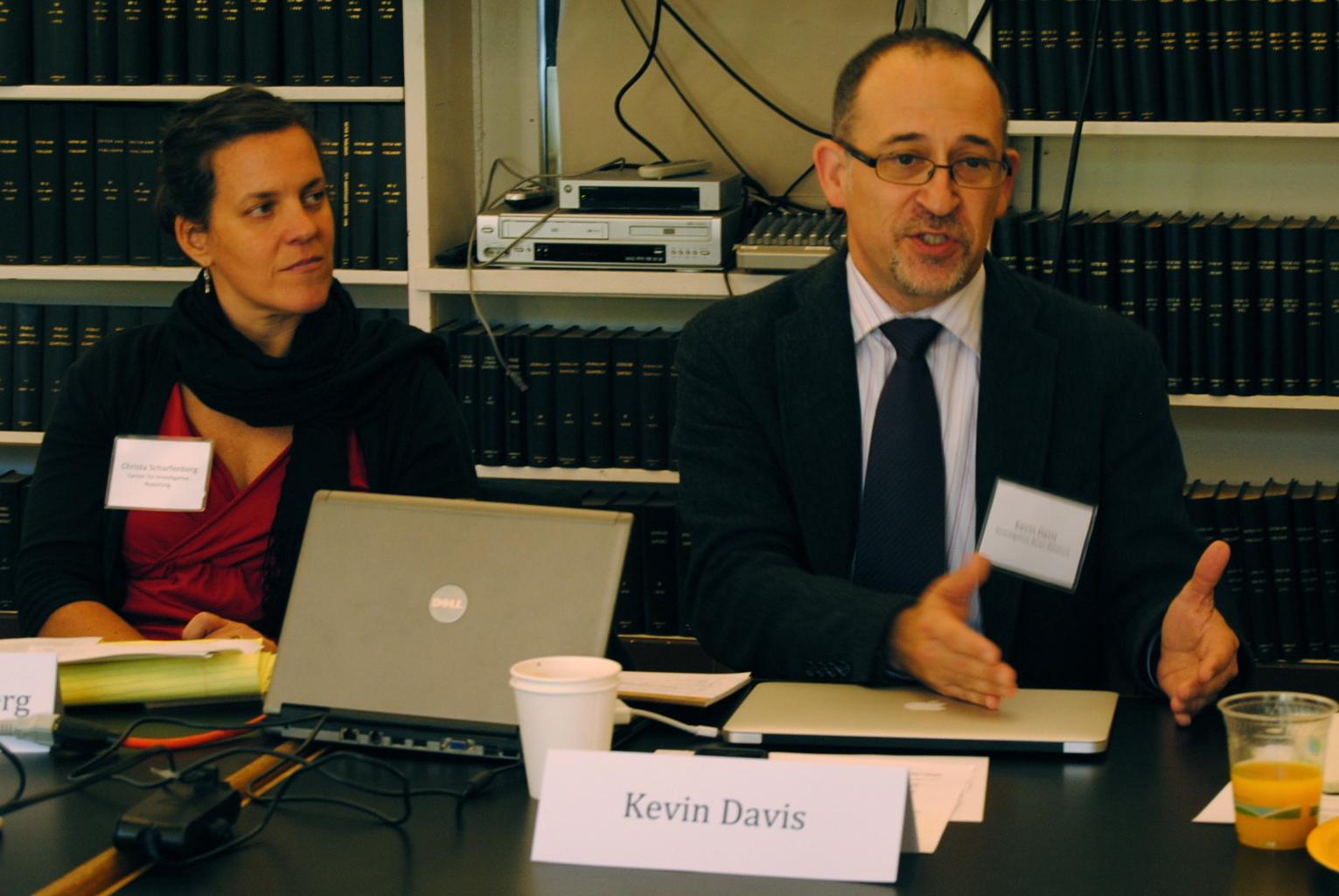 http://www.pbs.org/mediashift/2011/12/01/DSC_0020