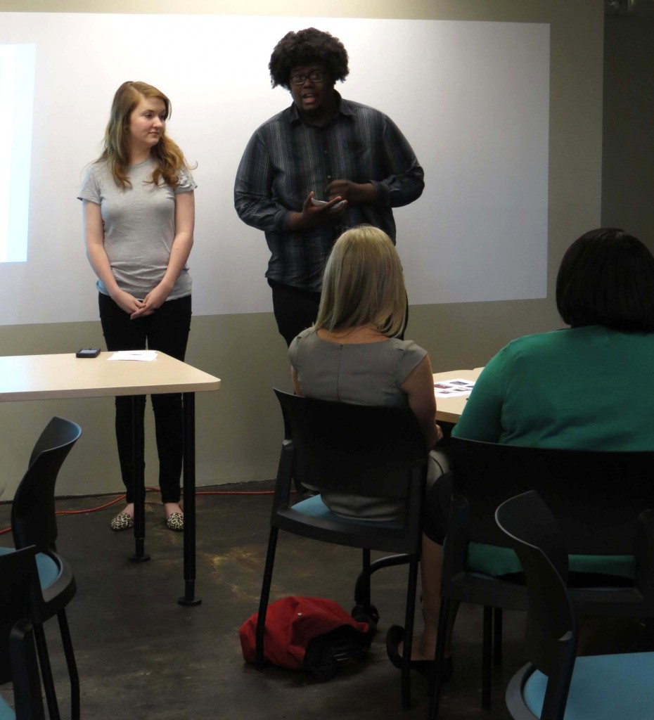 Students Rachel Wilhite and Calvin Carter pitch their site/app Draft901. Photo by Michael Lander.
