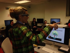 Google tester Sarah Hill Shows Off Google Glass