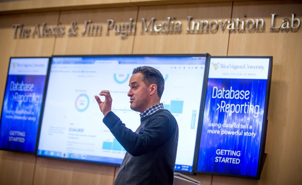 Derek Willis speaks to participants during the Database Reporting workshop at the WVU Reed College of Media on Saturday, February 7. (WVU Reed College of Media/David Smith)