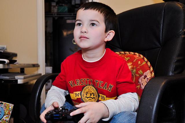 http://www.pbs.org/mediashift/kids_videogames_flickr_holtsman