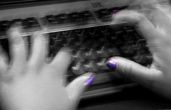 i-5bfd51d614c72a6d74b363bb8f78f2c3-keyboardhands.jpg