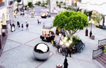 http://www.pbs.org/mediashift/LaBurbuja-cropped
