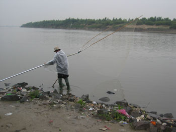 http://www.pbs.org/mediashift/songhua-river-fisherman