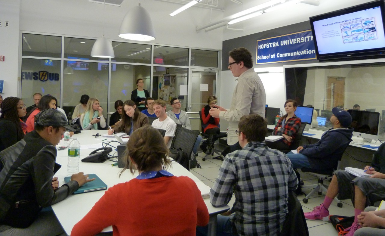 WKUT Online Editor Wells Dunbar takes Hofstra students through a typical day in the life of a social journalist.